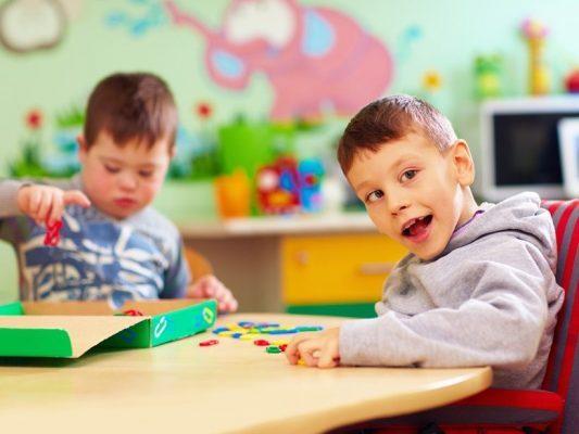 گفتاردرمانی کودکان کم توان ذهنی